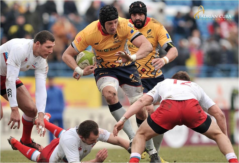 Capitanul Mihai Macovei ataca in cadrul meciului de rugby Romania-Rusia