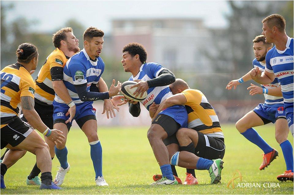 Echipa ieseana ataca in cadrul meciului de rugby Poli iasi-CSM Bucuresti
