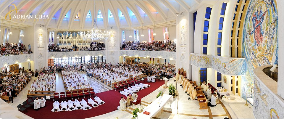 "Slujba de sfintire preoti in anul 2017, in catedrala catolica ""Sfanta Fecioara Maria, Regina"" din Iasi."