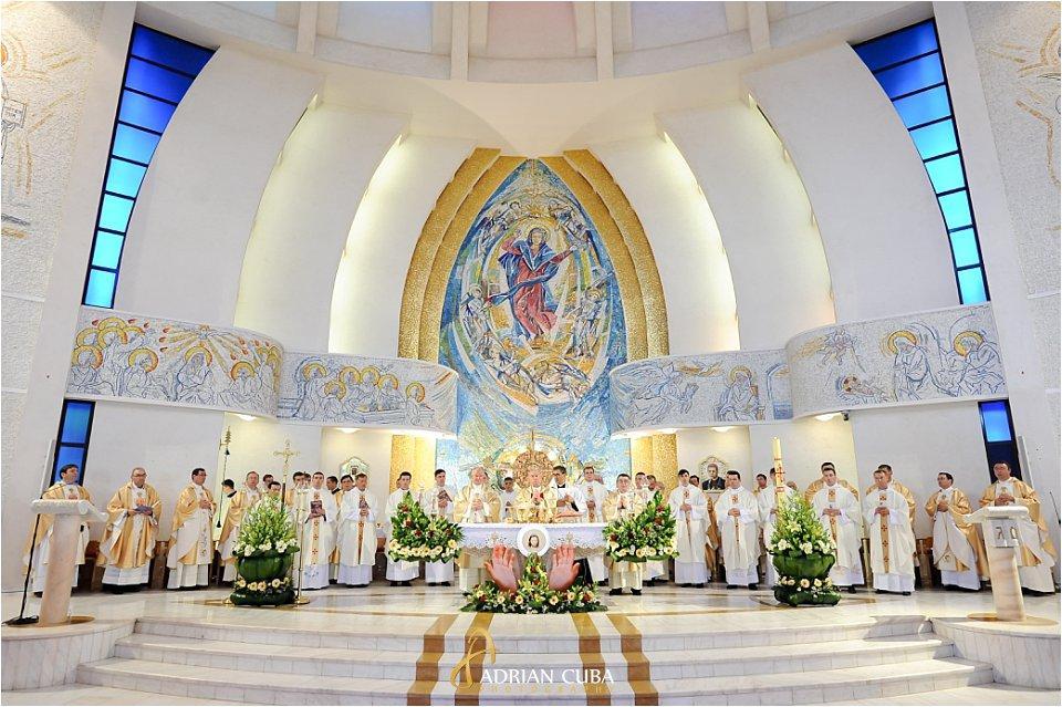 Sfintire 13 preoti in catedrala catolica din iasi