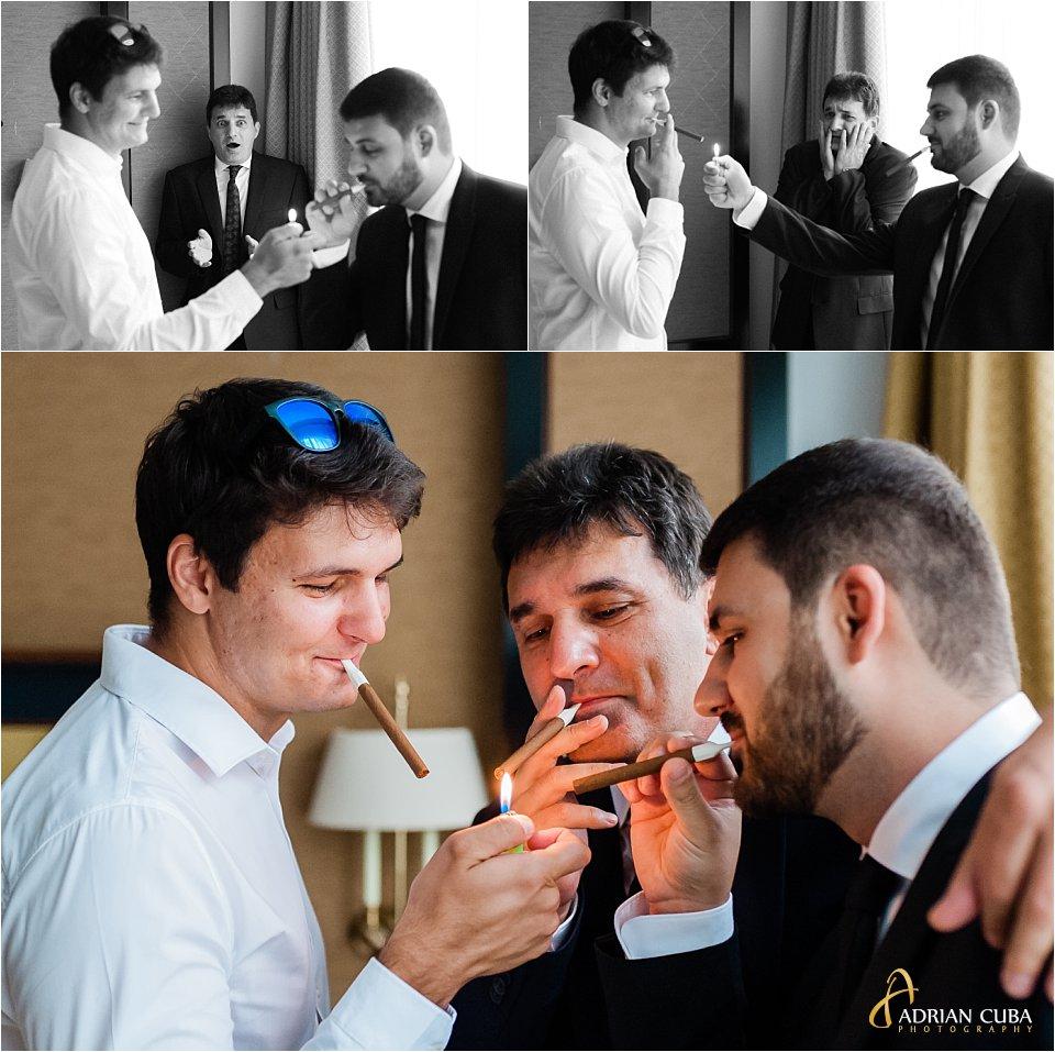 baietii fumeaza o tigara la gatitul mirelui, hotel Bellaria Iasi.