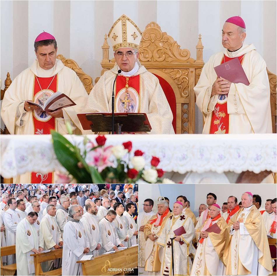 Preoti participa la Sfanta Liturghie de beatificare a fericitei Veronica Antal.