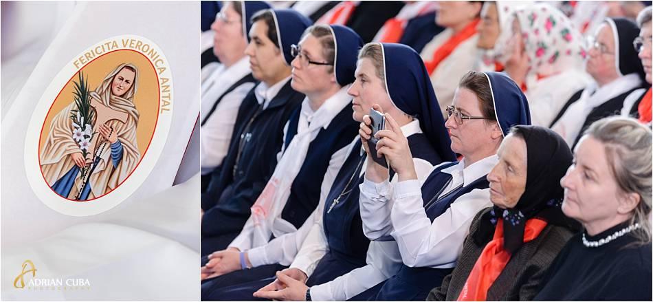 Surori si persoane consacrate participa la slujba de beatificare a fericitei Veronica Antal.
