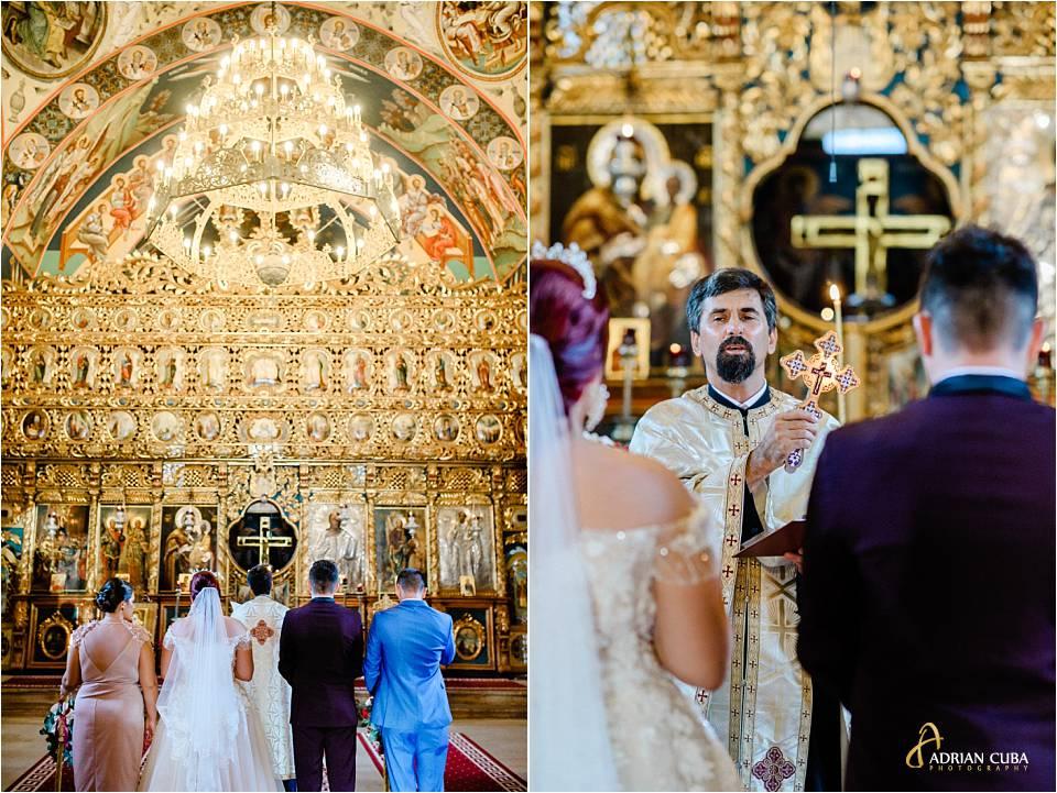 Preotul binecuvanteaza mirii la biserica Sf Sava Iasi