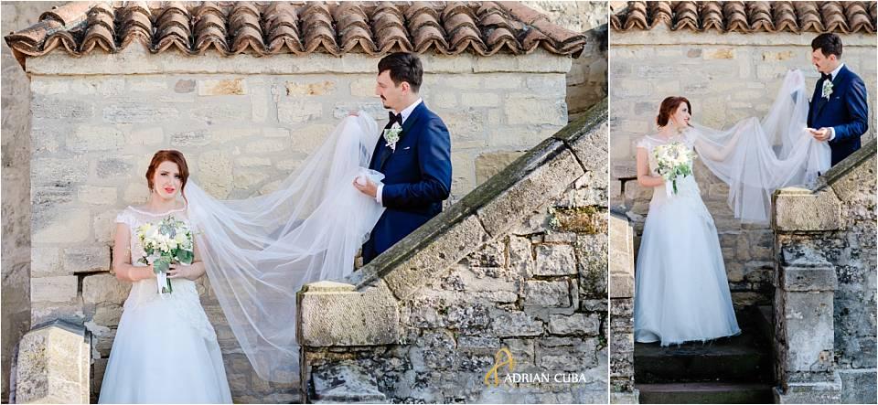 Buchetul si voalul miresei la sedinta foto de nunta a mirilor in Iasi.