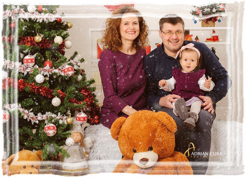 Sedinta fot copii si familie de Craciun in studio foto Iasi.