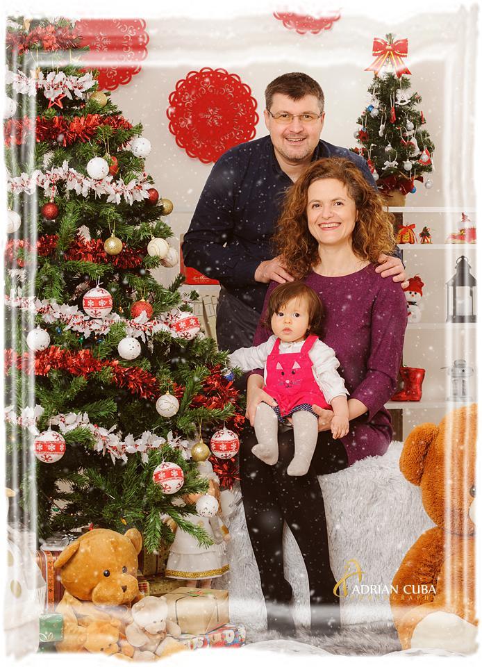 Sedinta foto familie de Craciun in studio foto Iasi.