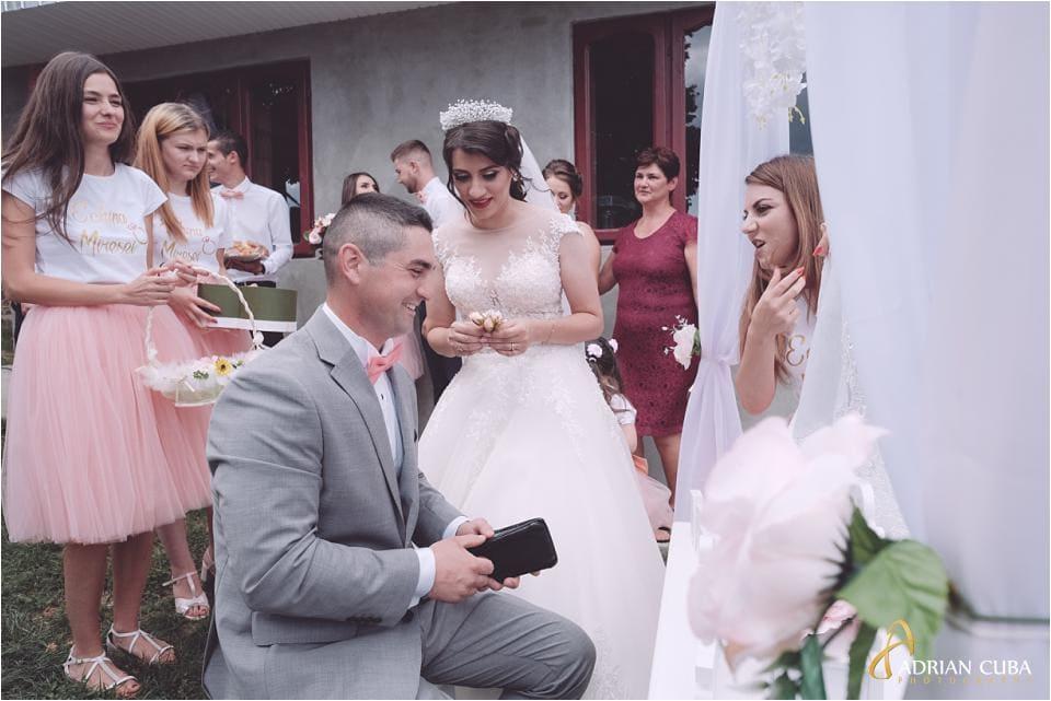 Mireasa gateste nasul la nunta Vaslui.