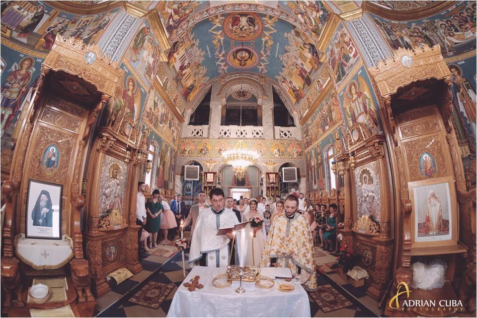 Cununie religioasa la biserica Sfantul Nicolae din Vaslui.