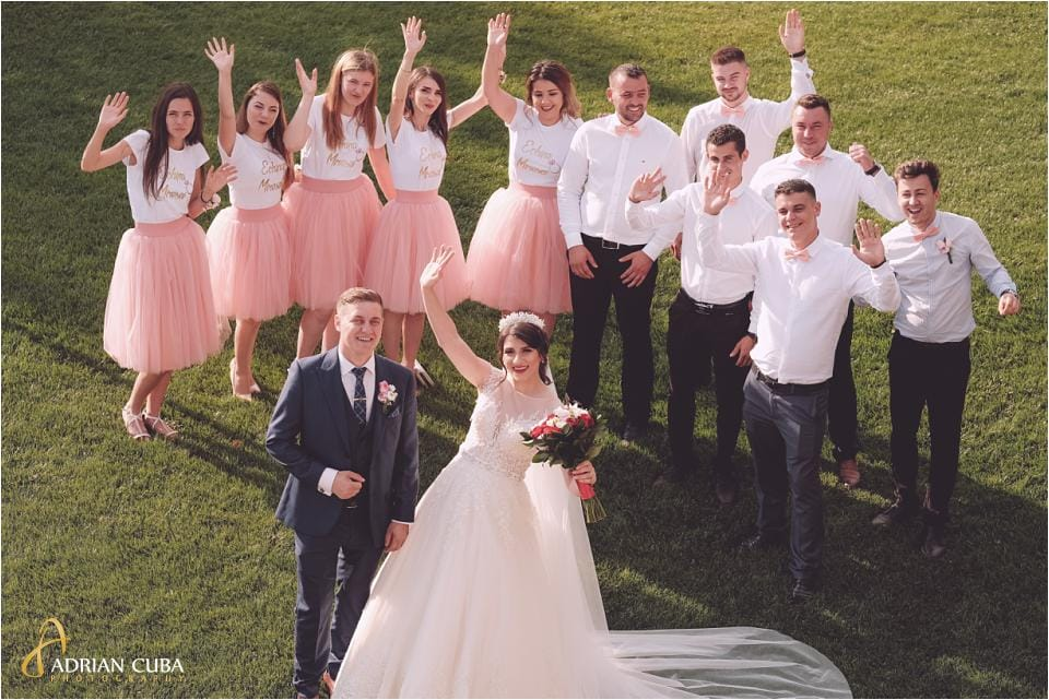 Mirii, domnisoarele si cavalerii de onoare la sedinta foto nunta Vaslui.
