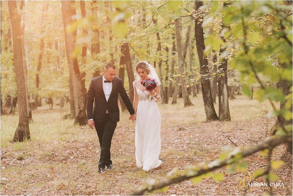 Sedinta foto nunta in natura in padurea barlad