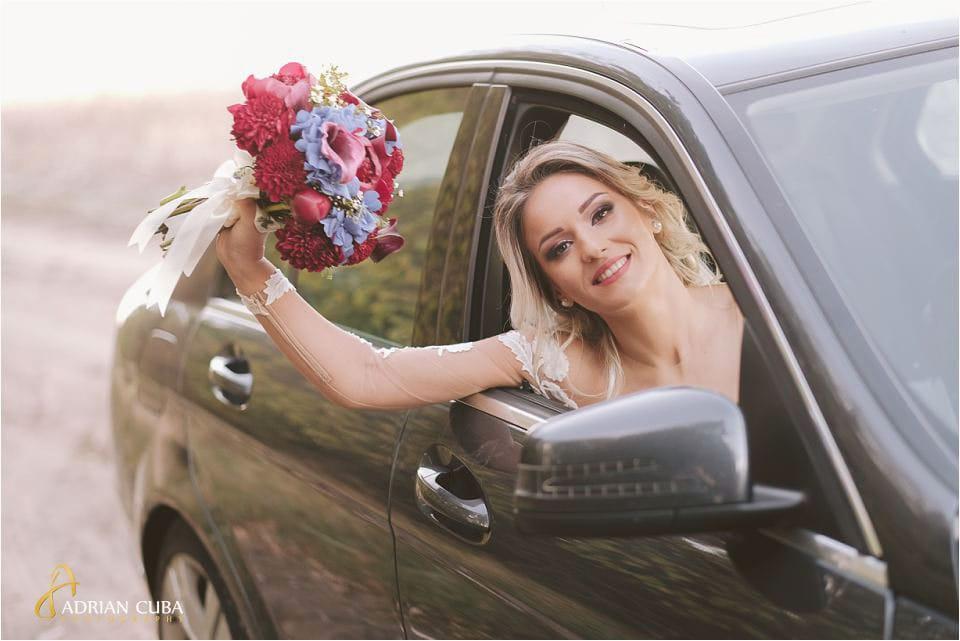 Mortret de mireasa cu buchetul miresei la foto nunta Barlad Vaslui, fotograf nunta Iasi