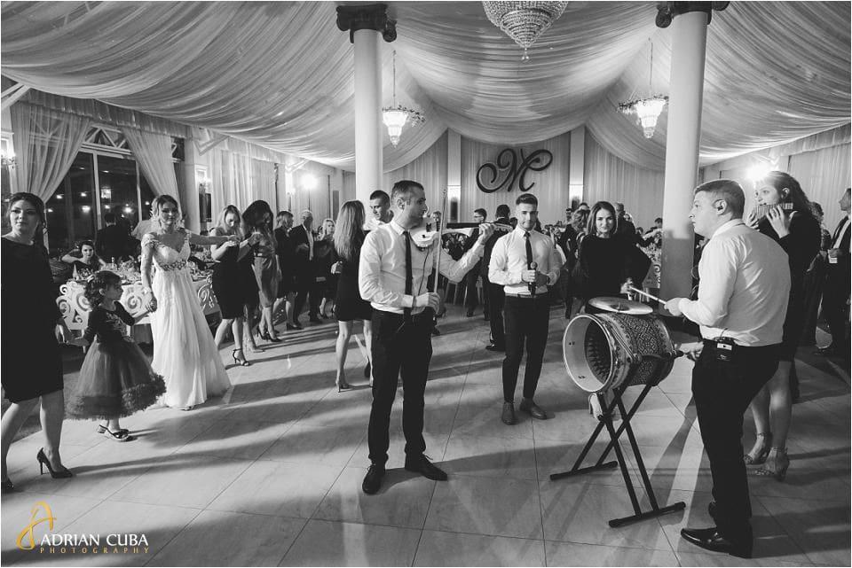 Formatia Nostalgy Band canta la nunta la restaurant Mira Barlad