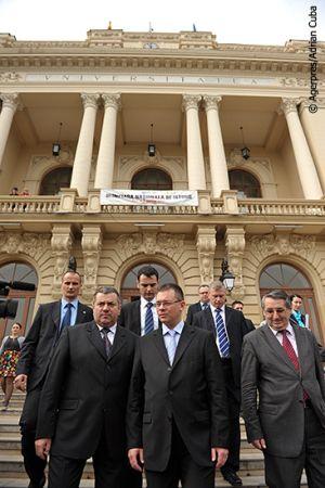 Adrian-Cuba-primul-ministru-Mihai-Razvan-Ungureanu-Iasi-17.jpg