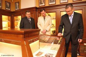 Adrian-Cuba-primul-ministru-Mihai-Razvan-Ungureanu-Iasi-24.jpg