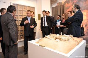 Adrian-Cuba-primul-ministru-Mihai-Razvan-Ungureanu-Iasi-30.jpg