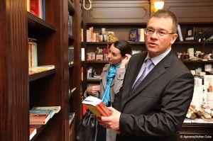 Adrian-Cuba-primul-ministru-Mihai-Razvan-Ungureanu-Iasi-35.jpg