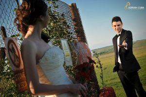 Adrian-Cuba-foto-nunta-trash-love-dress-Iasi-Ioana-Bogdan-08.jpg